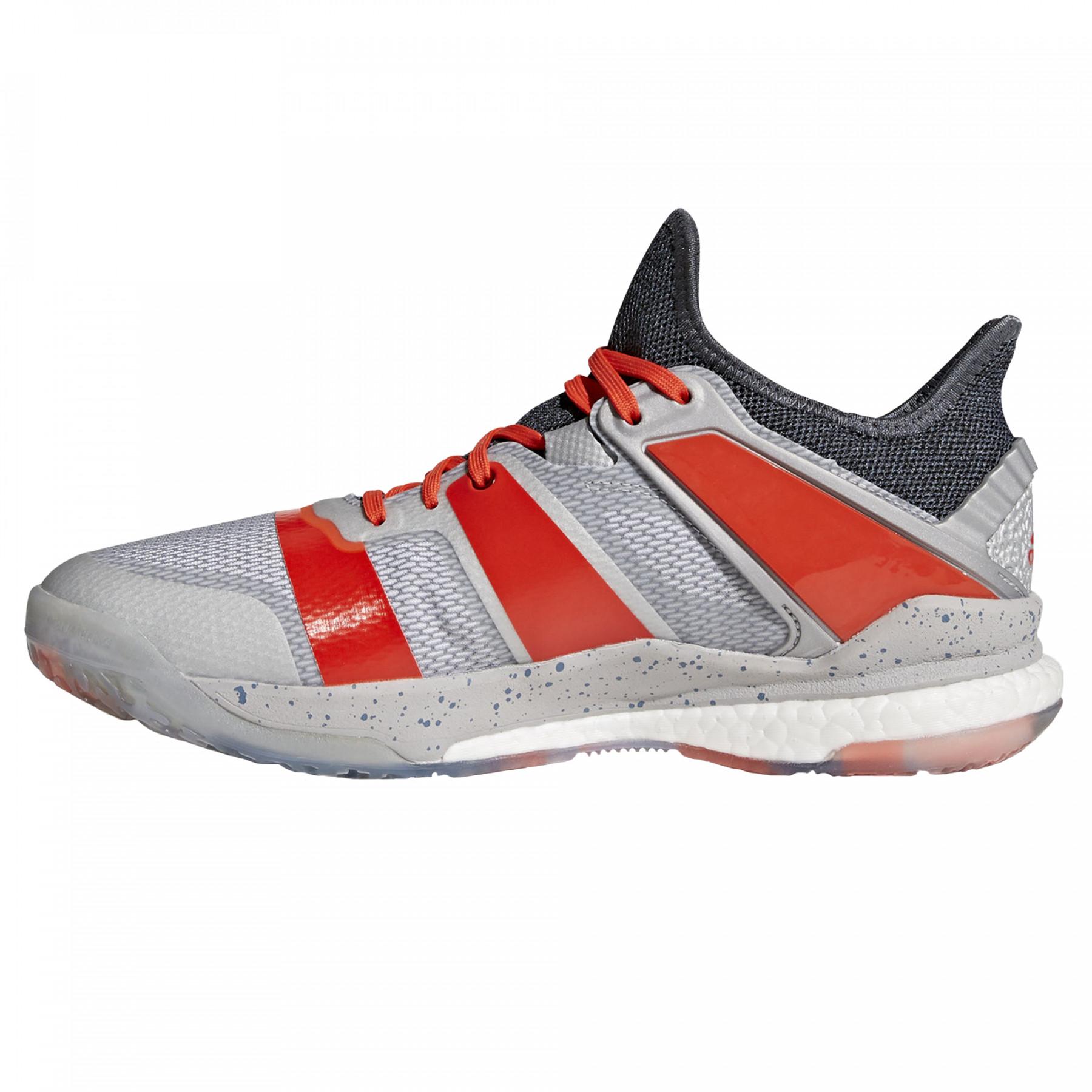 chaussure de handball pas cher adidas